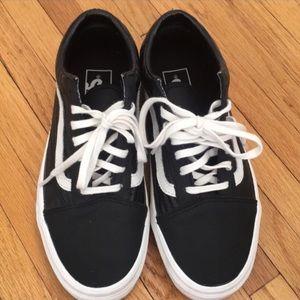 Black leather Vans 🖤